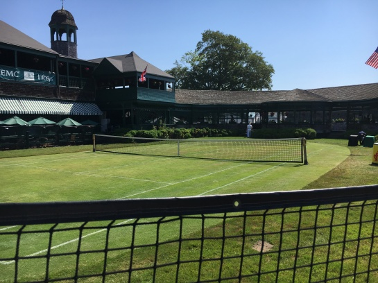 newport-grass-court